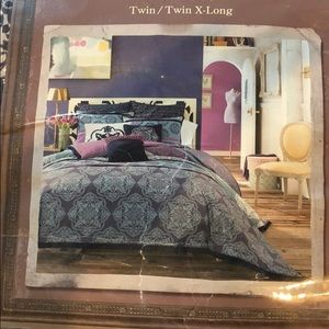 Twin/ Twin XL Bedding!